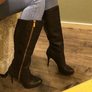 Vince Camuto Emilian heeled leather boots